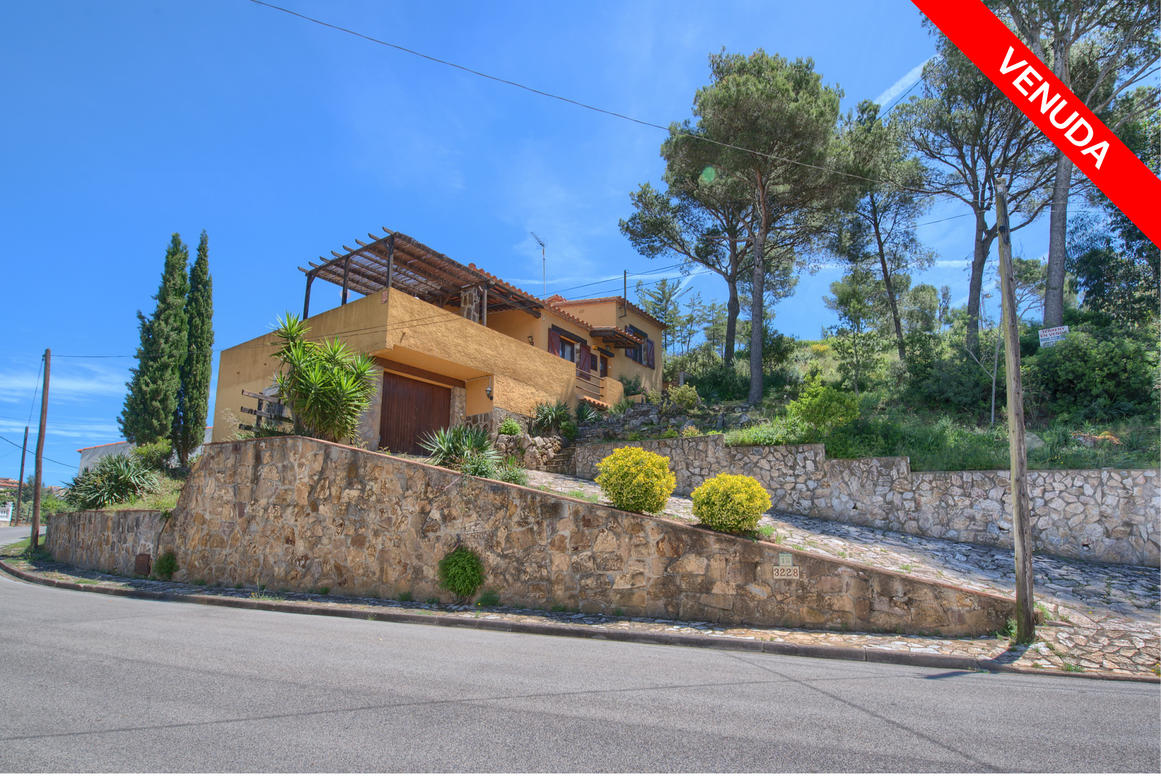 House -                                       Begur -                                       3 bedrooms -                                        persons