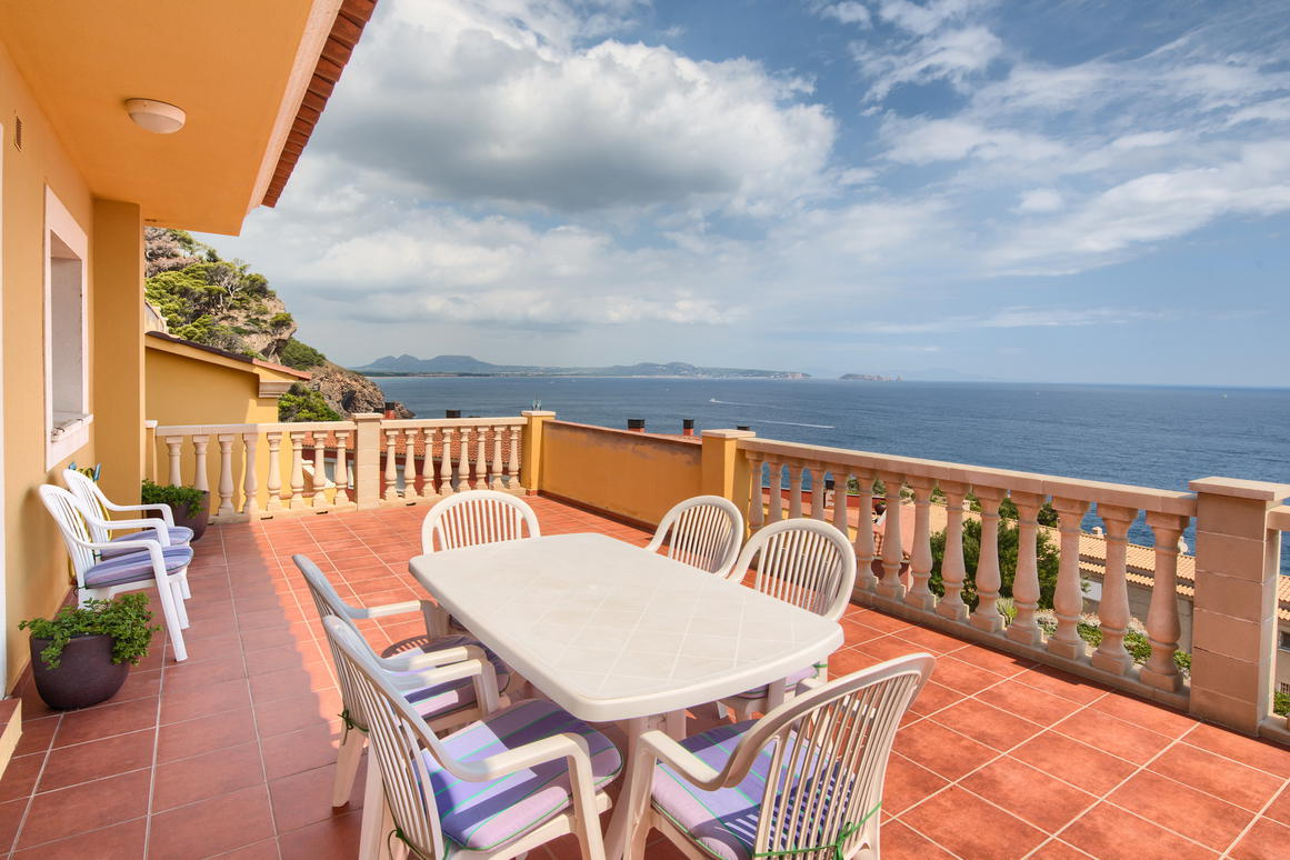 Apartment -                                       Begur -                                       3 bedrooms -                                       6 persons
